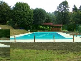 Bazén s technologickým domkem